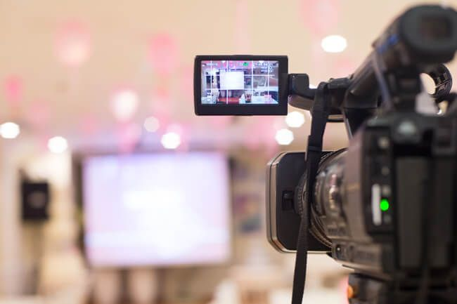 Youtuber - Cómo Ganar Dinero desde Casa por Internet